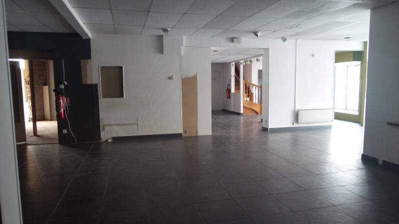 Location local commercial Brives charensac 1 700€ CC - Photo 2