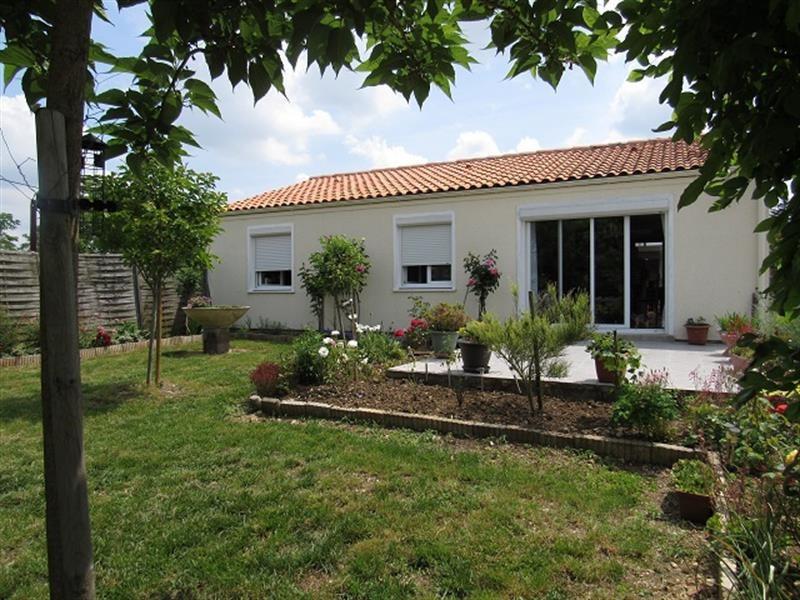 Sale house / villa Saint-hilaire-de-villefranche 185500€ - Picture 1