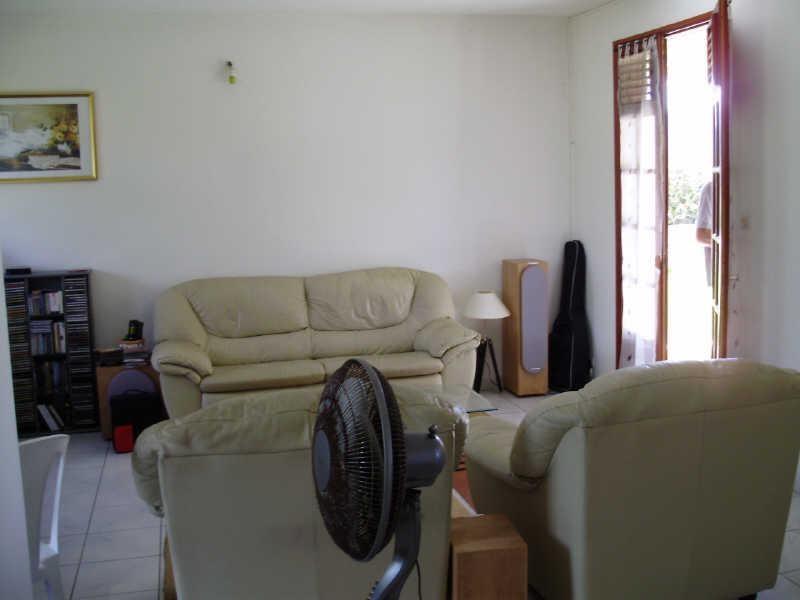 Rental house / villa Le gosier 810€ CC - Picture 3