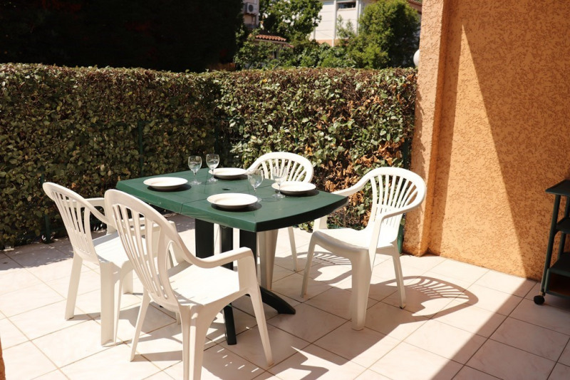 Vacation rental apartment Cavalaire sur mer 600€ - Picture 1