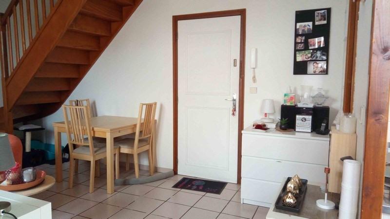 Rental apartment St quentin fallavier 525€ CC - Picture 2
