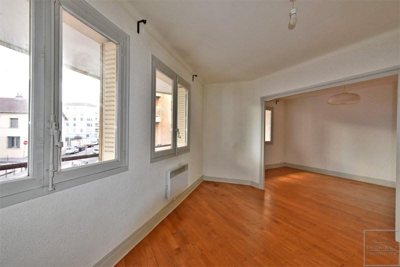 Sale apartment Lyon 3ème 242000€ - Picture 2