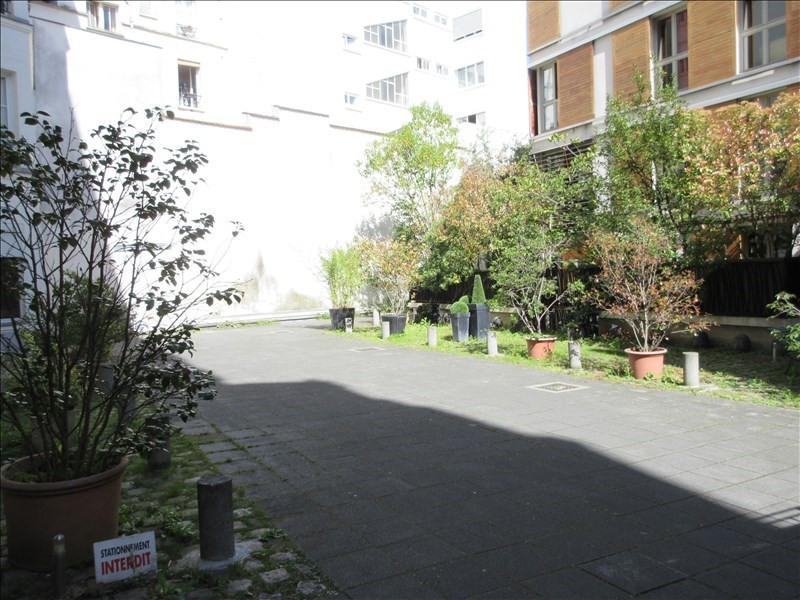 Sale apartment Paris 11ème 350000€ - Picture 1