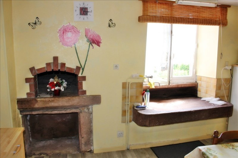 Sale house / villa St stail 159 000€ - Picture 2