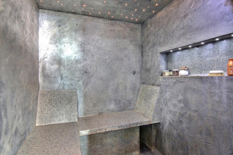 Deluxe sale apartment Golfe-juan 598000€ - Picture 7