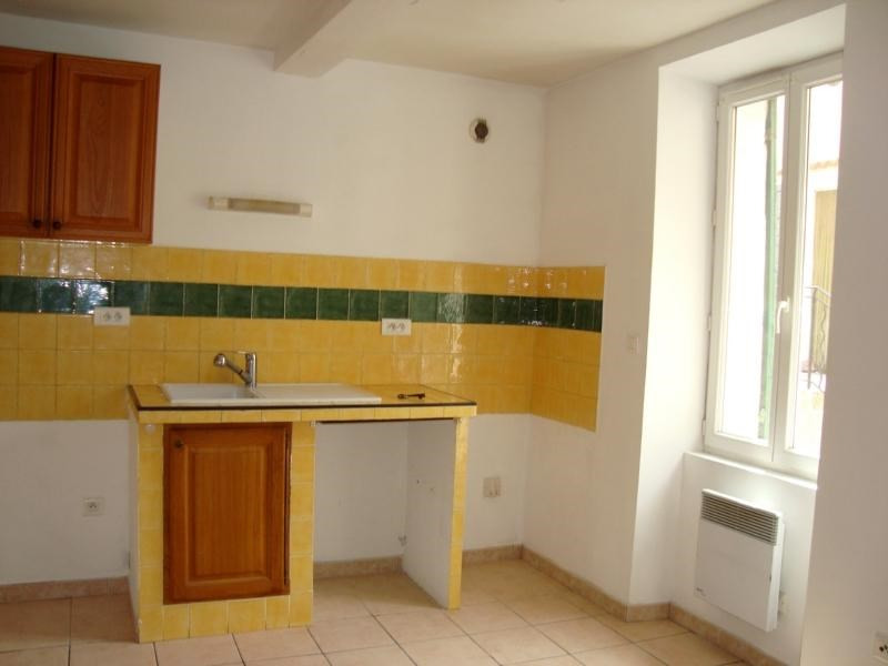 Location appartement Cadolive 478€ CC - Photo 1