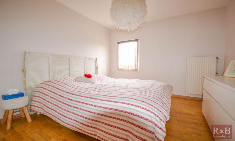 Sale house / villa Plaisir 340000€ - Picture 6