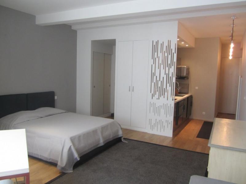 Rental apartment Paris 3ème 1401€ CC - Picture 1