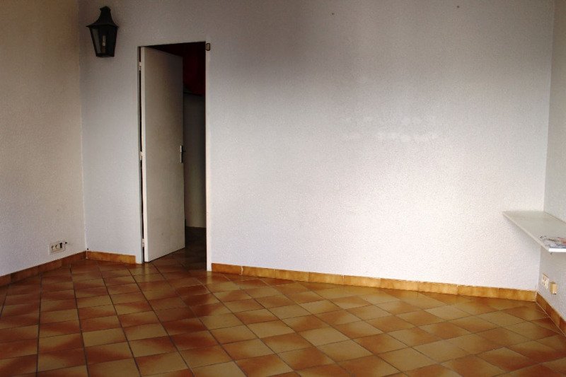 Sale apartment Lambesc 178 500€ - Picture 4