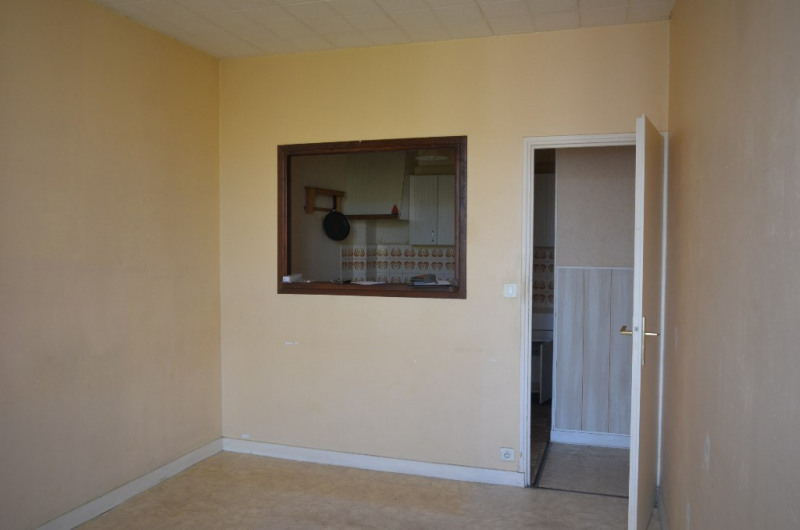 Investment property apartment La rochelle 119000€ - Picture 2