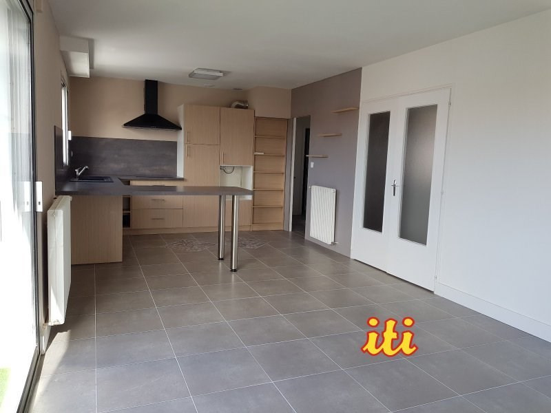 Sale apartment Les sables d olonne 243 000€ - Picture 1