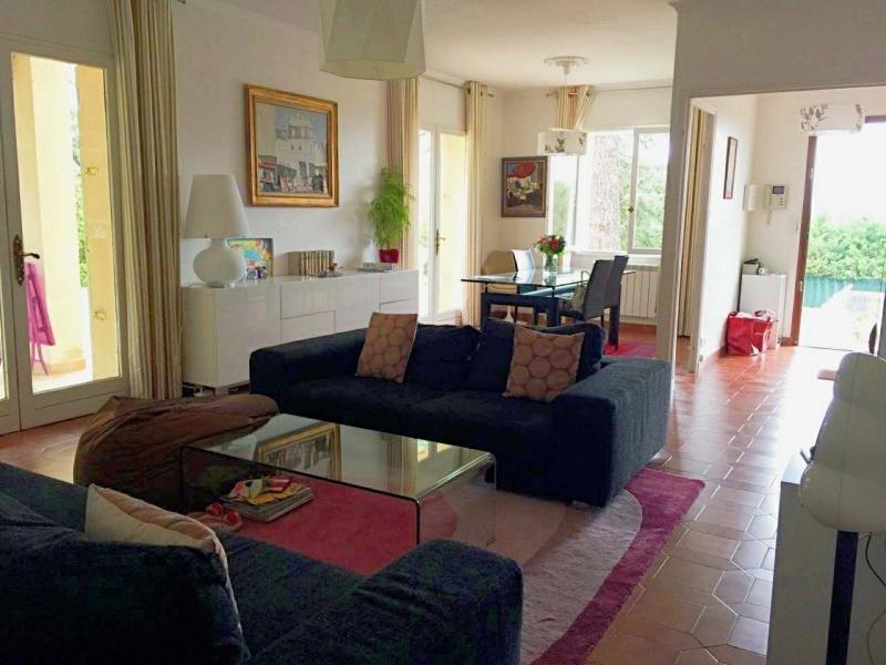 Location maison / villa Eguilles 2380€ CC - Photo 4