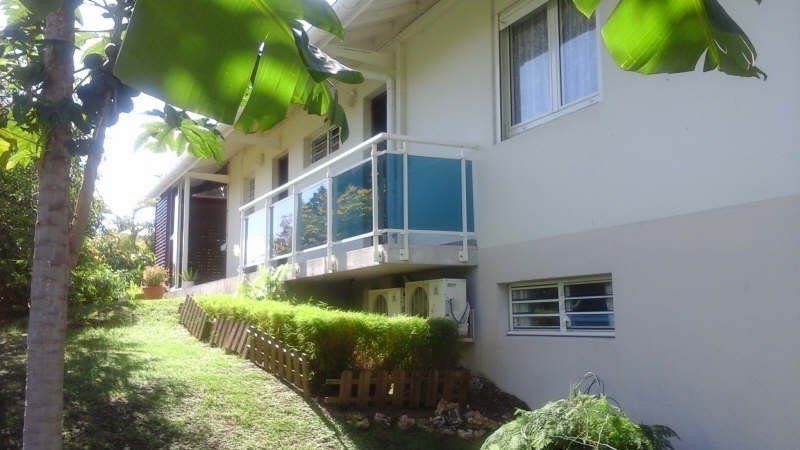 Sale house / villa Ste anne 390 000€ - Picture 1