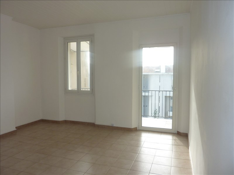 Rental apartment Marseille 5ème 590€ CC - Picture 1