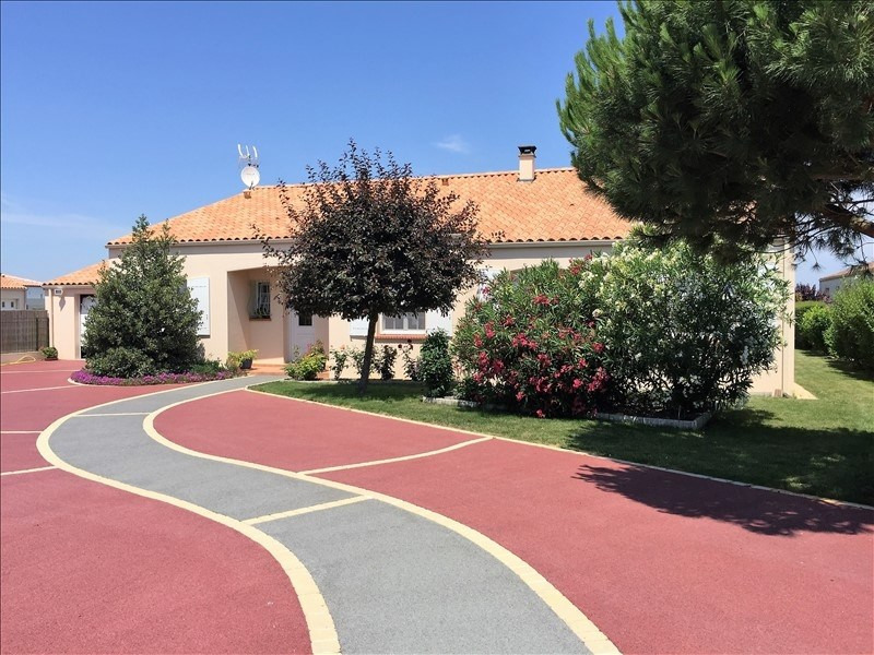 Deluxe sale house / villa Jard sur mer 465000€ - Picture 2