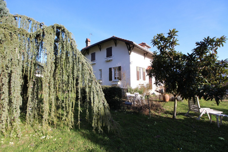Deluxe sale house / villa Meylan 625 000€ - Picture 1