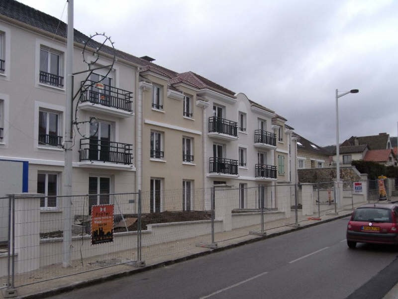 Location appartement Chanteloup les vignes 696€ CC - Photo 1