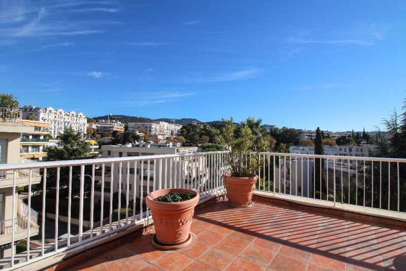 Deluxe sale apartment Nice 815 000€ - Picture 3