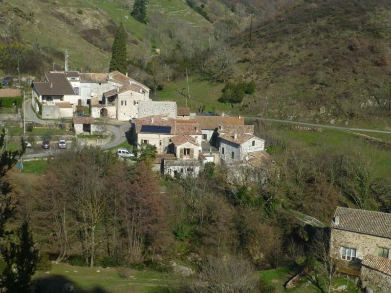 Location maison / villa Saint-andéol-de-vals 605€ CC - Photo 6