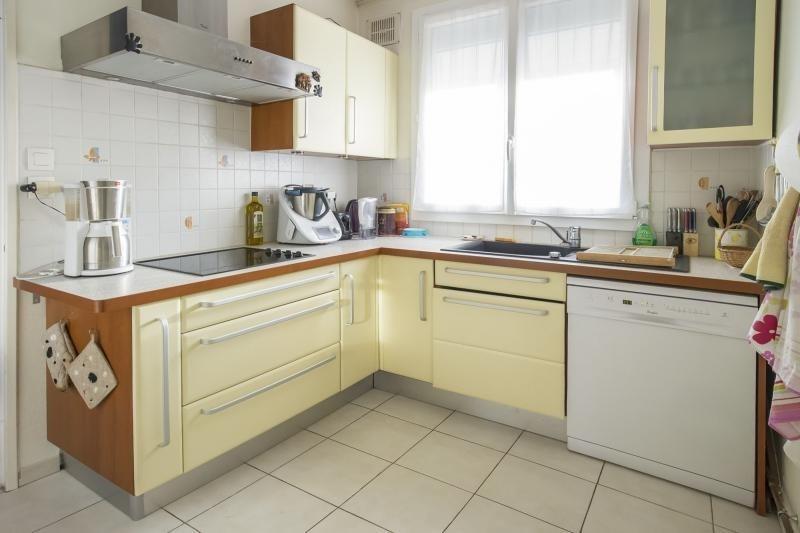 Sale house / villa Plaisir 469165€ - Picture 3