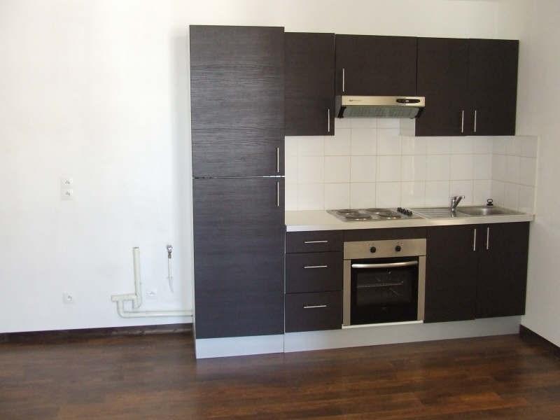 Rental apartment Avesnes sur helpe 420€ CC - Picture 2