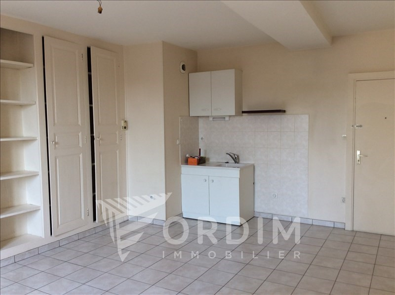 Location appartement Toucy 381€ +CH - Photo 1