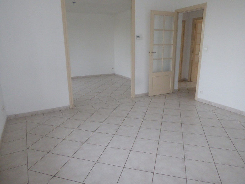 Location appartement Aubenas 521€ CC - Photo 1