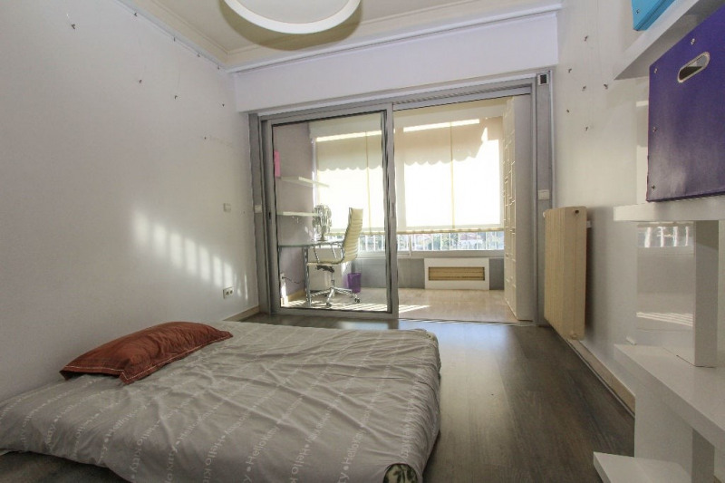 Rental apartment Antibes 3 300€cc - Picture 9