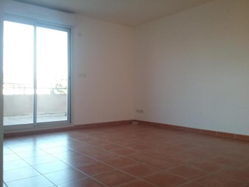 Location appartement Trets 823€ CC - Photo 3