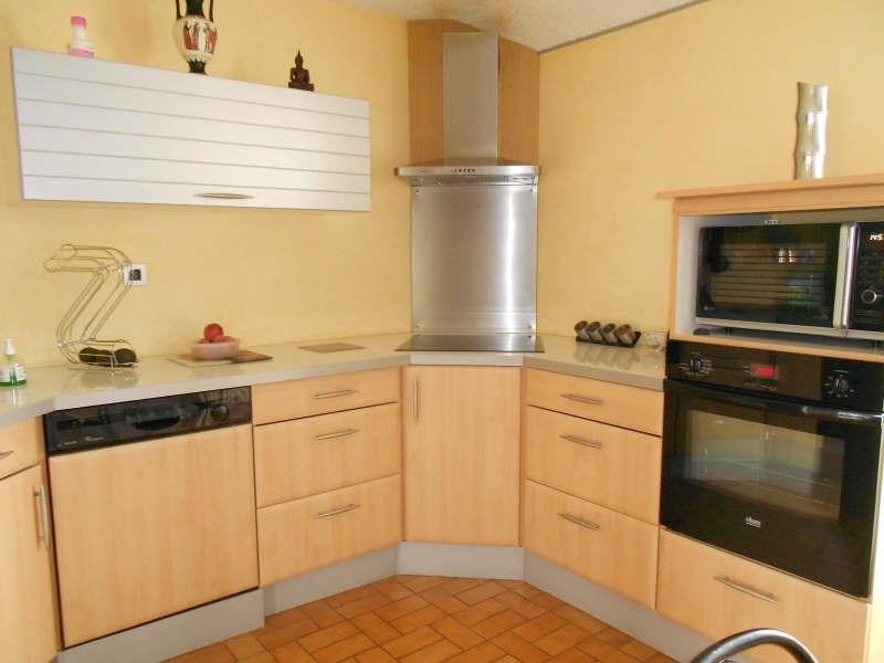 Sale house / villa Mont gaillard 190000€ - Picture 2