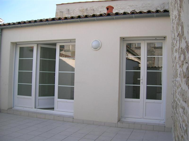 Rental apartment Saintes 856€ CC - Picture 5