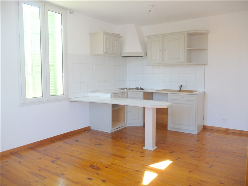 Location appartement Les milles 699€ +CH - Photo 2