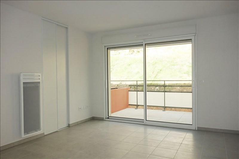 Rental apartment Londe les maures 674€ CC - Picture 2