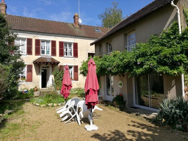 Sale house / villa Vulaines sur seine 415000€ - Picture 1