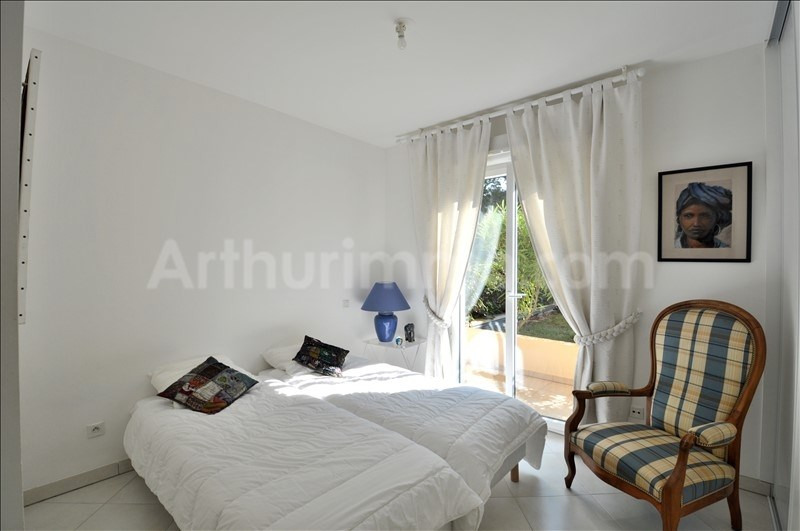 Deluxe sale apartment Les issambres 550 000€ - Picture 8