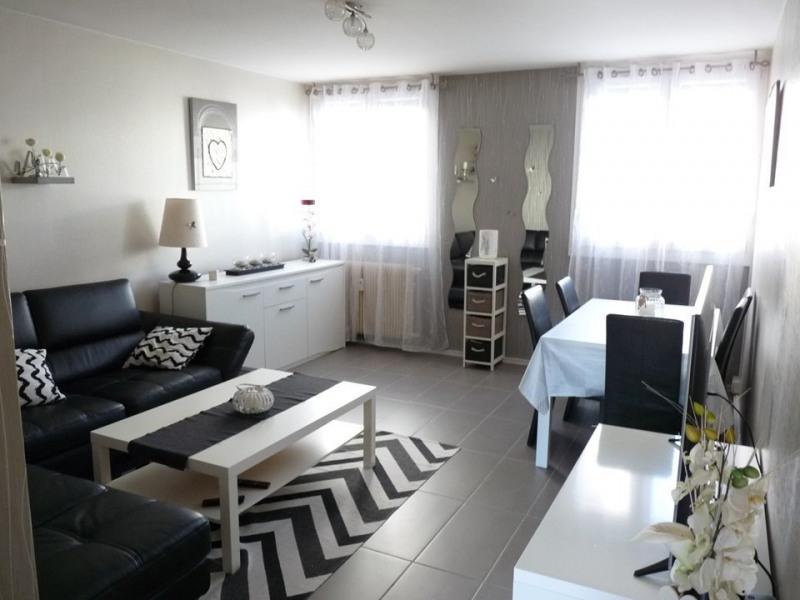 Sale apartment Saint-etienne 104000€ - Picture 2