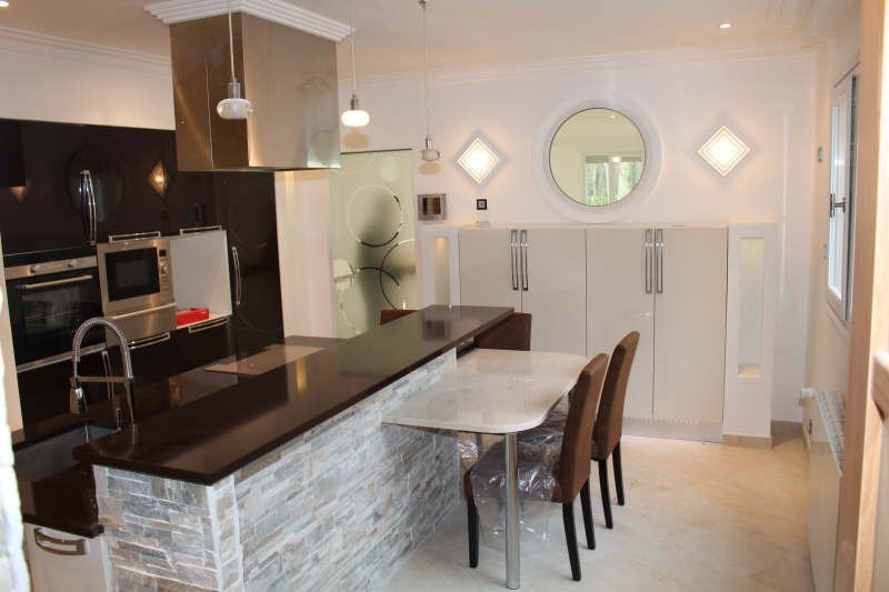 Deluxe sale house / villa Lamorlaye 1080000€ - Picture 3
