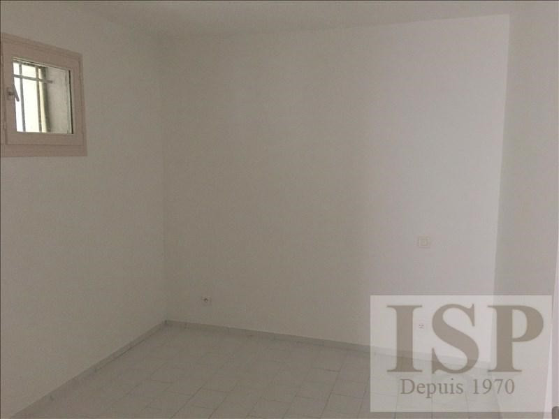 Location appartement Eguilles 874€ CC - Photo 9