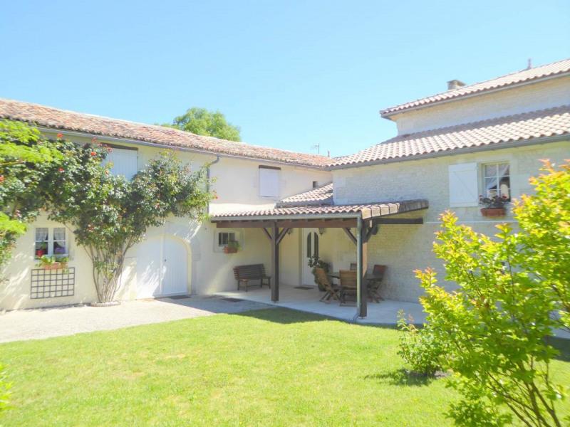 Vente maison / villa Jarnac-champagne 379800€ - Photo 2