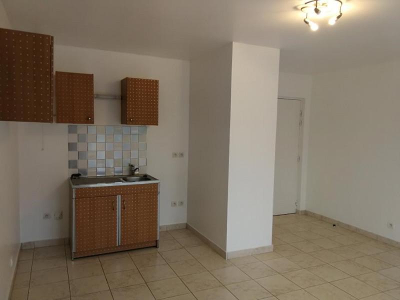 Rental apartment Arpajon 651€ CC - Picture 3