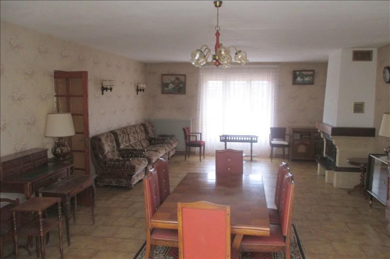 Sale house / villa Touvre 252000€ - Picture 6