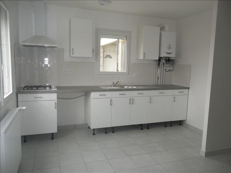 Rental apartment Pont de cheruy 730€ CC - Picture 2