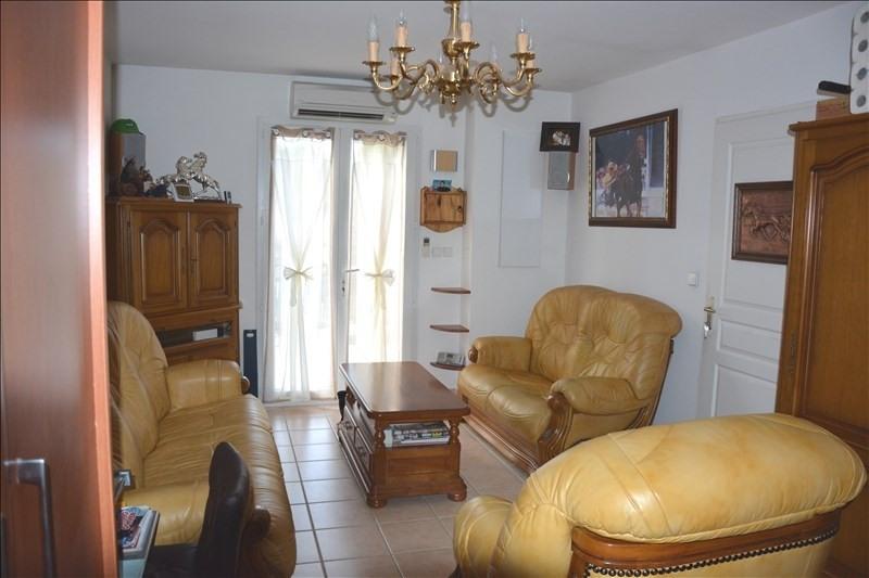 Sale apartment Peypin 180000€ - Picture 2