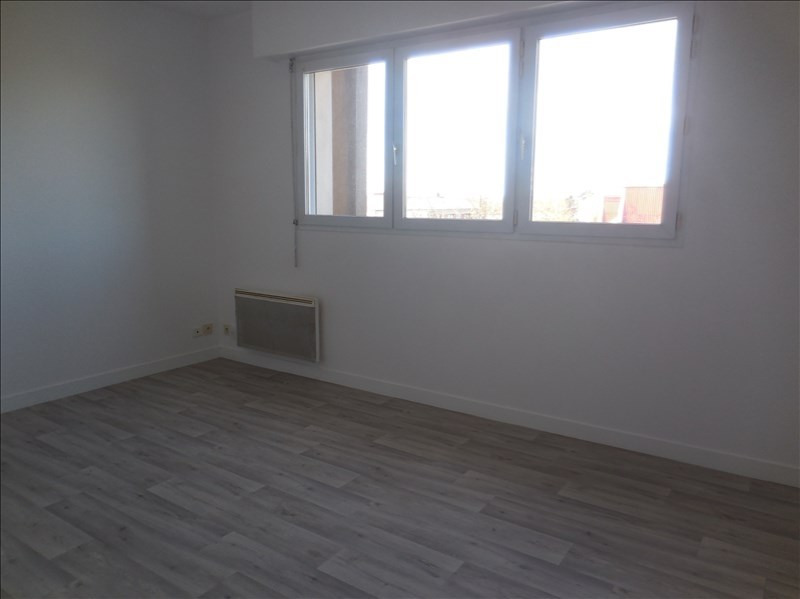 Rental apartment La roche sur yon 249€ CC - Picture 3
