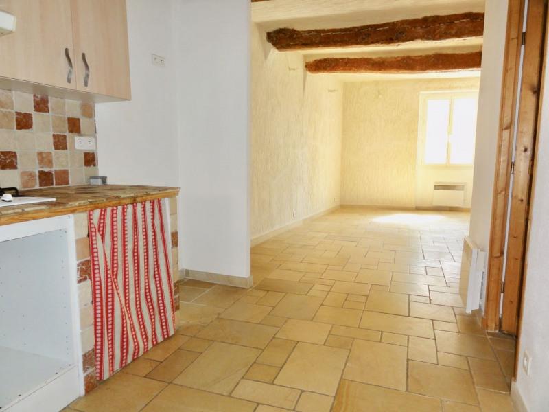 Rental apartment Le beausset 710€ CC - Picture 9
