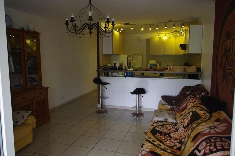 Sale apartment St gilles les bains 292000€ - Picture 2