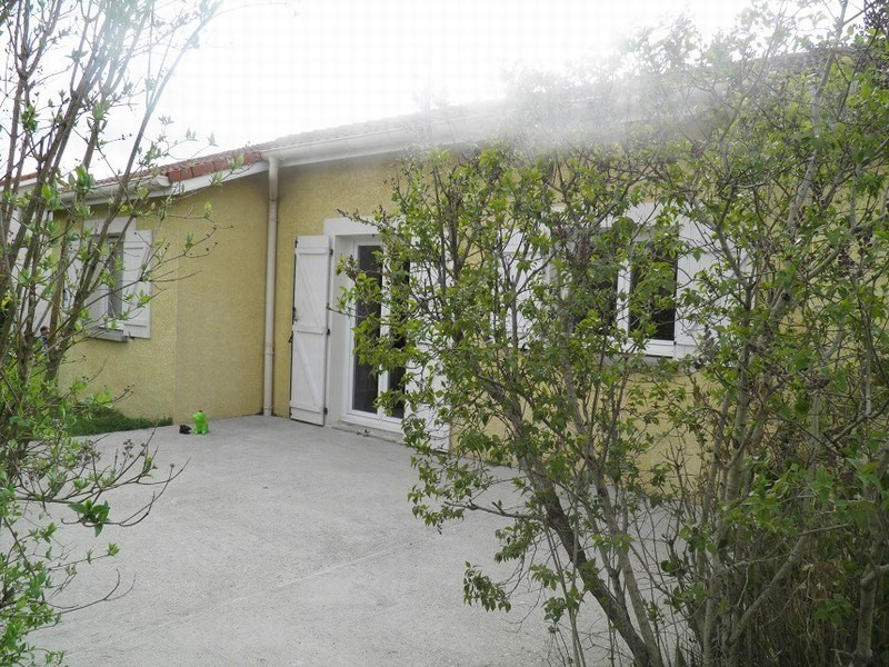 Sale house / villa Lapeyrouse mornay 155 000€ - Picture 9