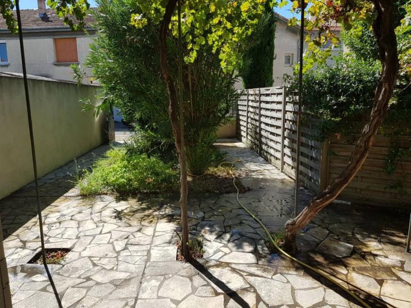 Rental house / villa Avignon 950€ CC - Picture 1