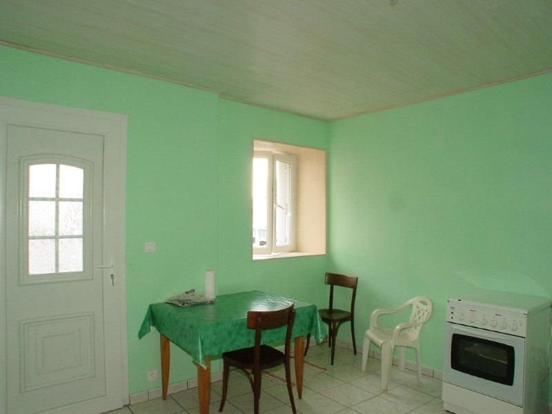 Sale house / villa Montfaucon en velay 33 000€ - Picture 2