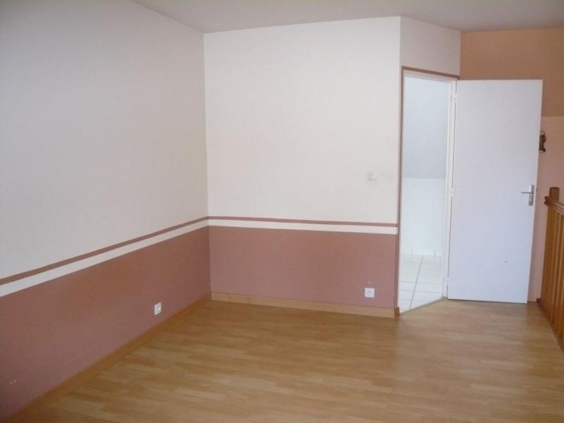 Rental apartment Laval 380€ CC - Picture 2